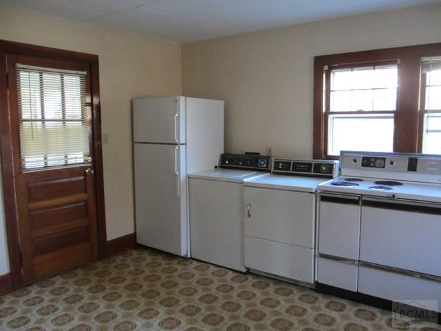 Washer/Dryer in Kitchen